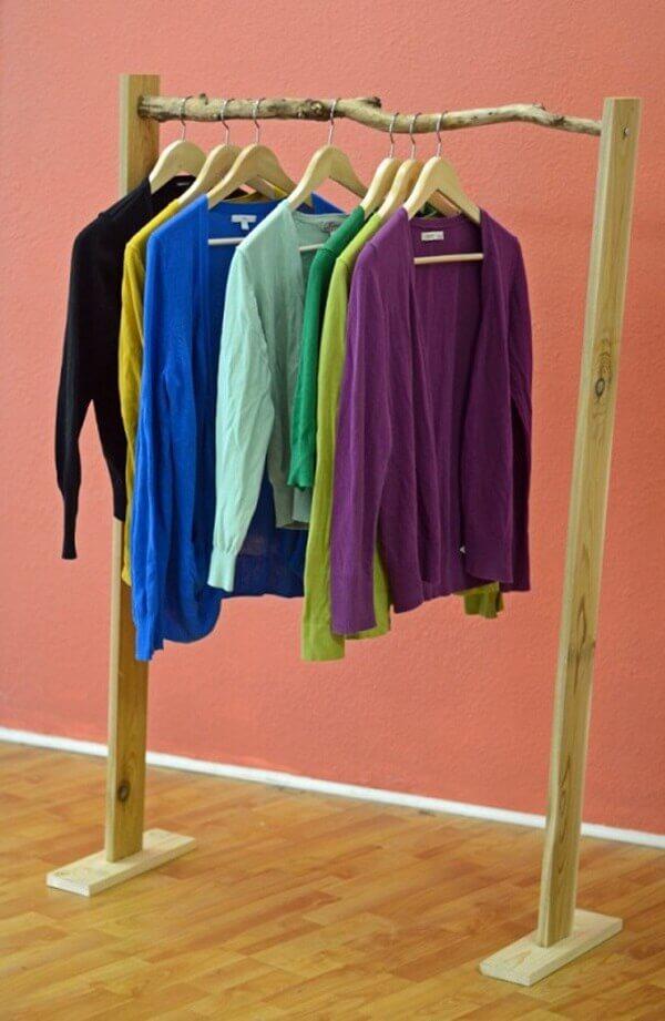 Guarda roupa sem porta arara de madeira