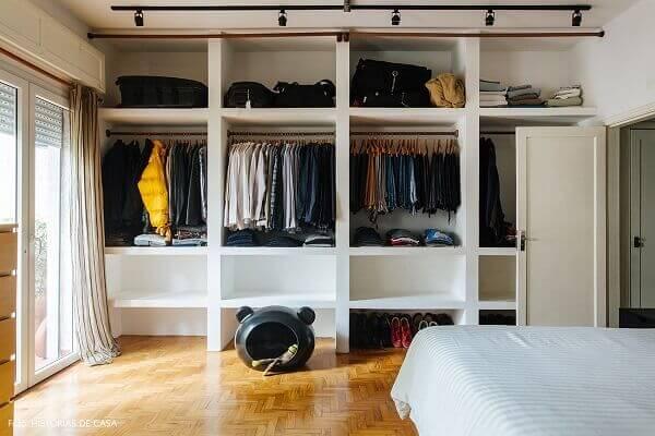 Guarda roupa sem portas nichos