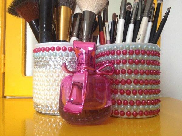 Latas decoradas de leite condensado para maquiagem
