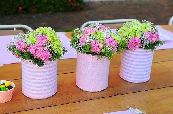 Latas decoradas para arranjos de flores