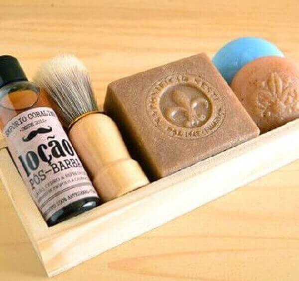 Lembrancinhas Para o Dia dos Pais caixinha com produtos de barbear