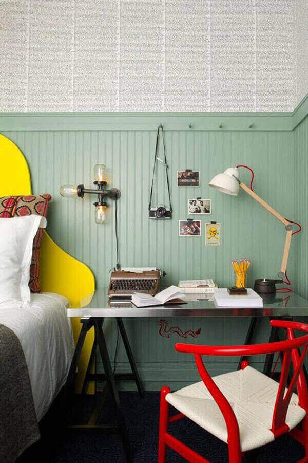 Mesa para escritório em quarto