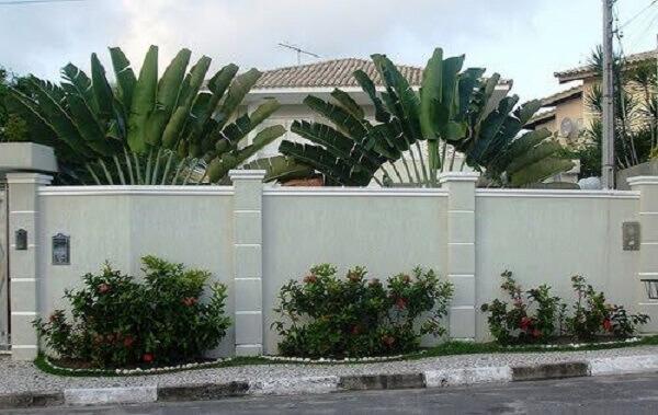 Muros de casas cinza