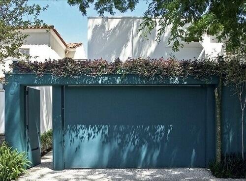 Muros de casas com cores frias