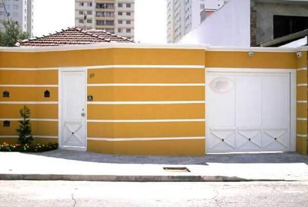 Muros de casas simples ocre