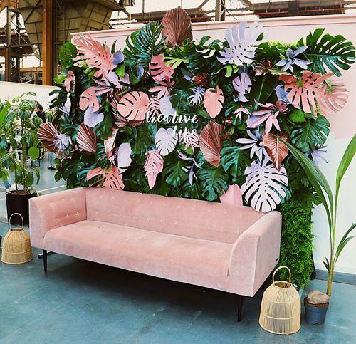 Painel de flores de papel para festa