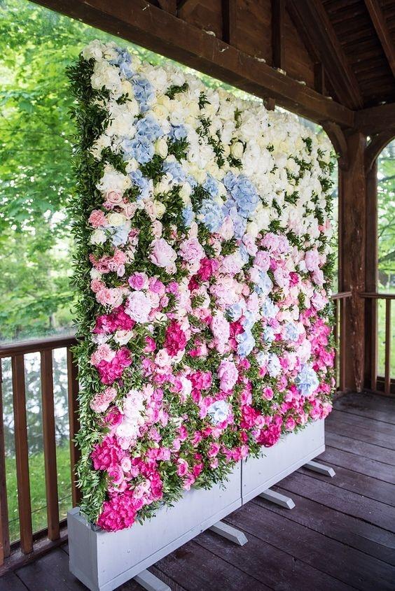 Painel de flores em tons gradiente