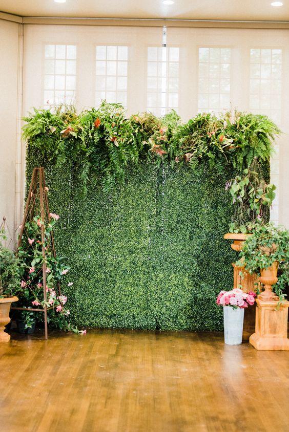 Painel de lflores e plantas na festa para fotos especiais