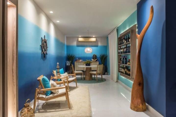 Paredes em tons de azul na sala Projeto de Casa Cor Rio Grande do Norte