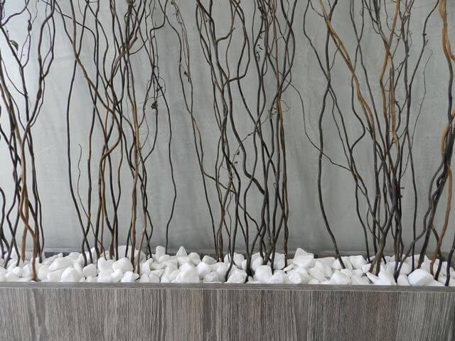 Pedras para jardim brita branca em vaso decorativo Projeto de Ane de Conto