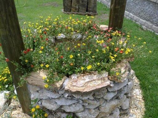 Pedras para jardim em poço Projeto de Atelier de Paisagem