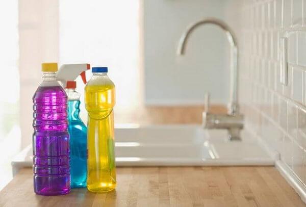 Produtos de limpeza detergentes