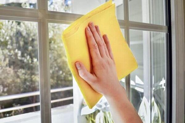 Produtos de limpeza limpa vidro