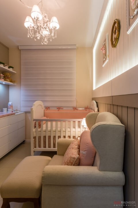 5ee70834b Quarto de bebê menina com cores neutras como base Projeto de Daline Castilho