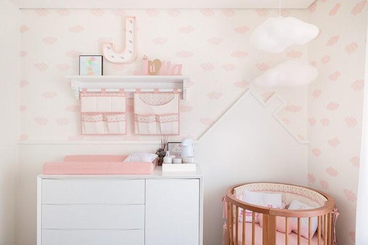 Quarto de bebê menina com tema de nuvens Projeto de Bianchi Lima