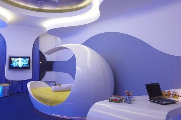 quarto com visual futurista em tons de azul