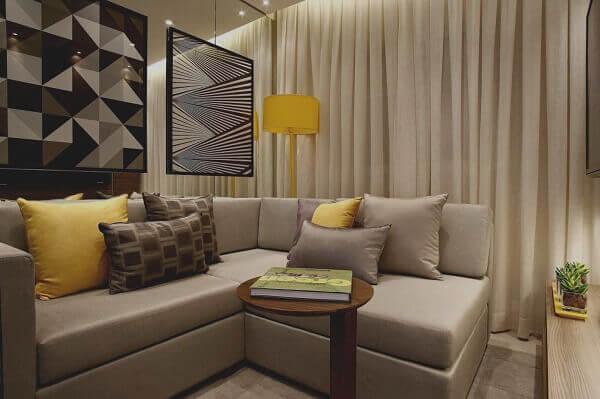 Salas modernas com cortina combinando com o sofa