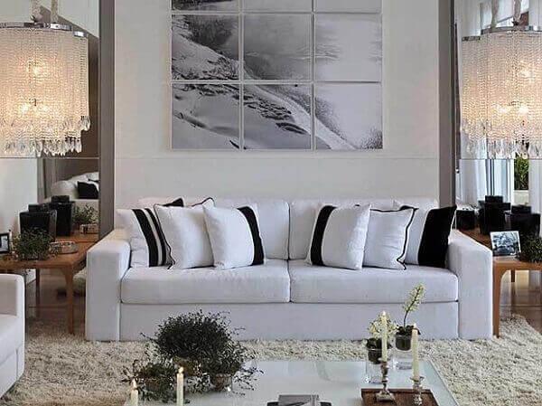 Salas modernas com quadros de espelhos
