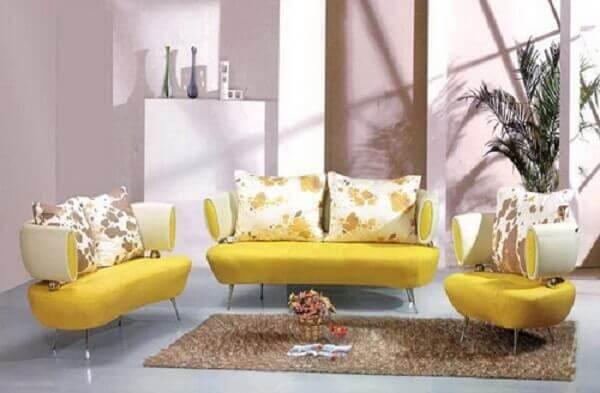 Salas modernas com sofás amarelos