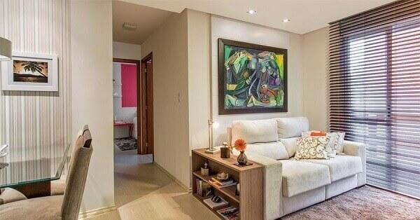 Salas modernas pequena com quadros