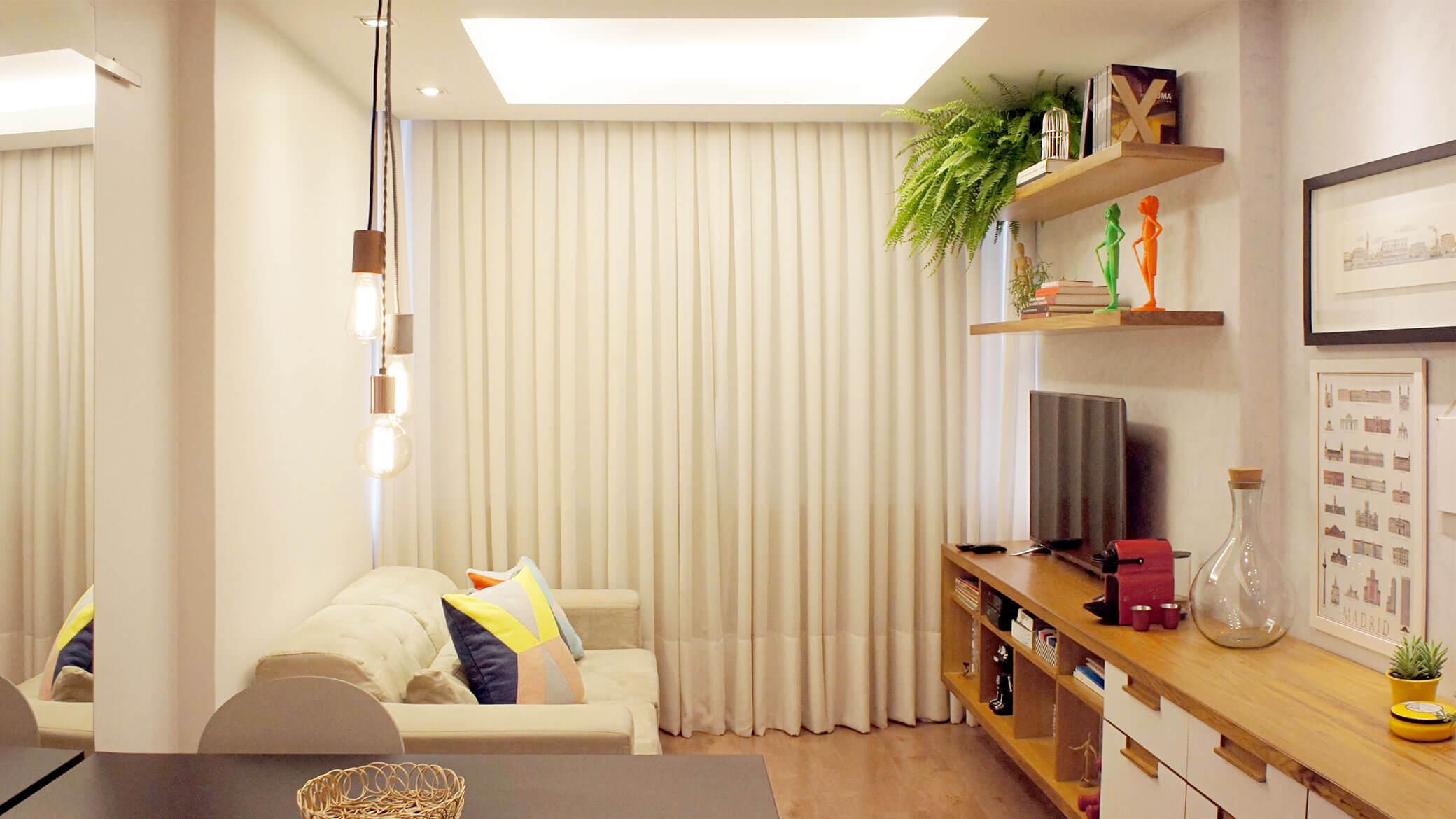 Sanca de gesso com iluminação central para sala de estar