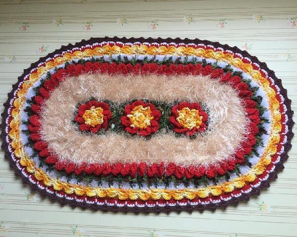 Tapete de crochê oval com linha felpuda