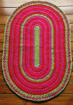 Tapete de crochê oval rosa com verde