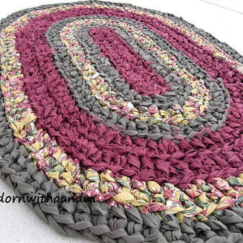 Tapete de crochê oval roxo e cinza