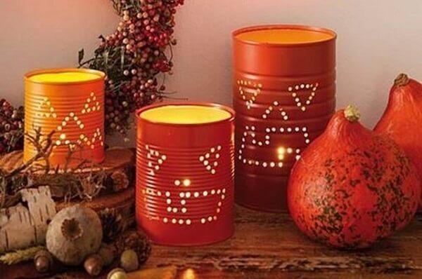 As latas decoradas podem ser utilizadas em eventos temáticos como o Halloween