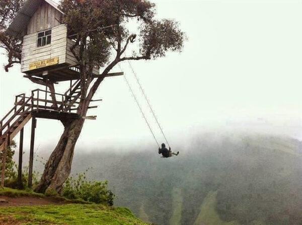 Balança gigante para a casa na árvore