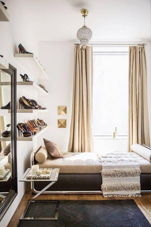 como organizar sapatos em prateleiras