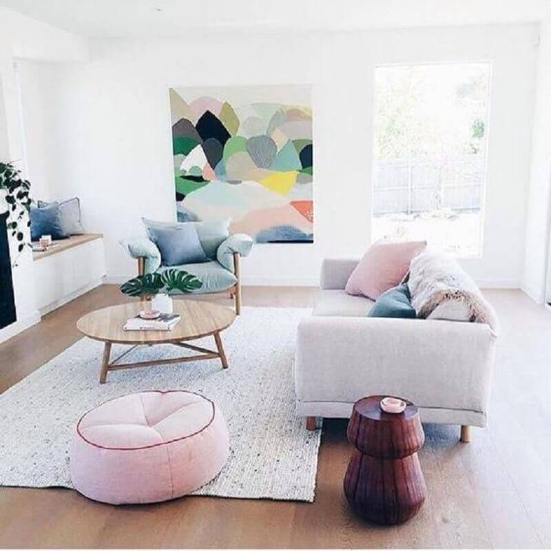 cores de tintas para sala toda branca com detalhes em tons pasteis Foto Atelier Classico