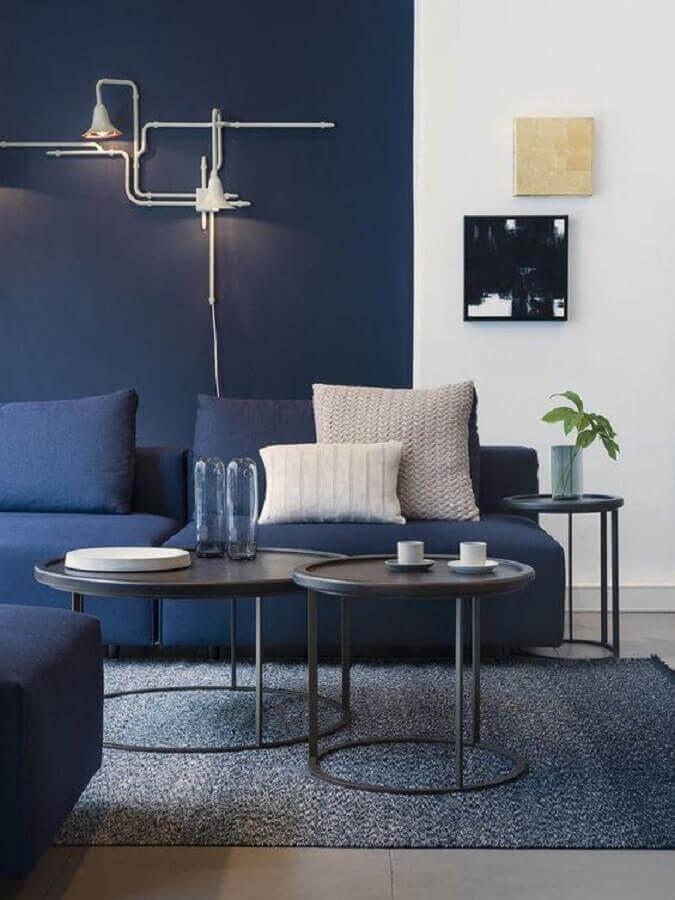 cores para sala moderna com parede azul m marinho Foto Architonic