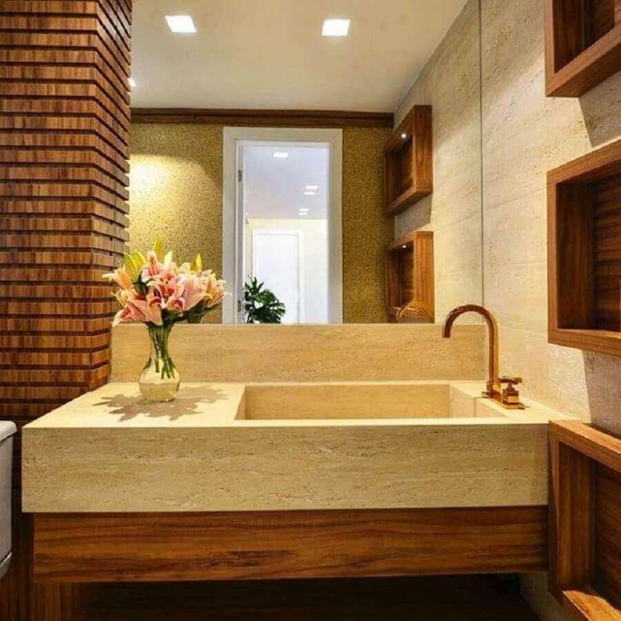 decoração banheiro com cuba esculpida em mármore travertino - Foto Ana Virginia Furlani