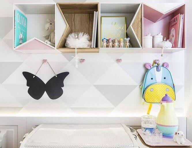 decoração com nichos para quarto de bebê com formatos diferentes-figueiredofischer-proportional-height_cover_medium