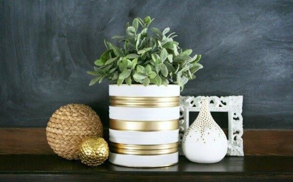 Invista em latas decoradas pintadas