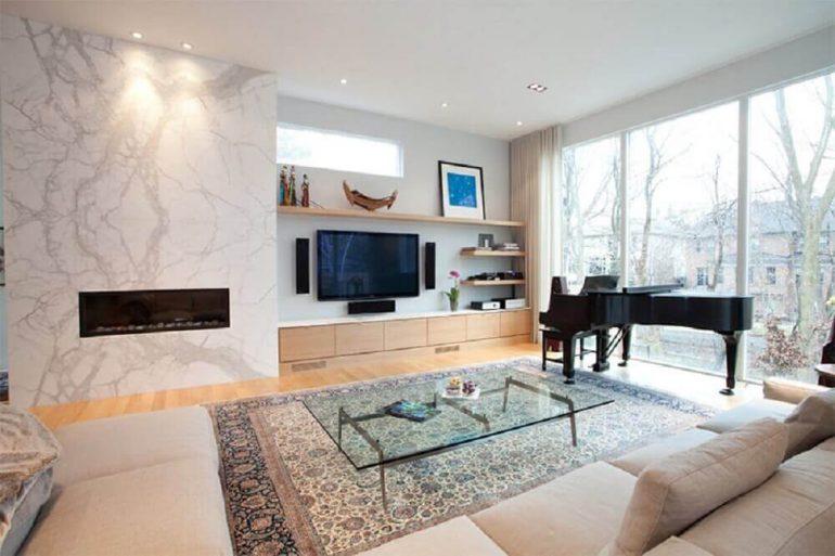decoração para sala de TV moderna e ampla com home teather
