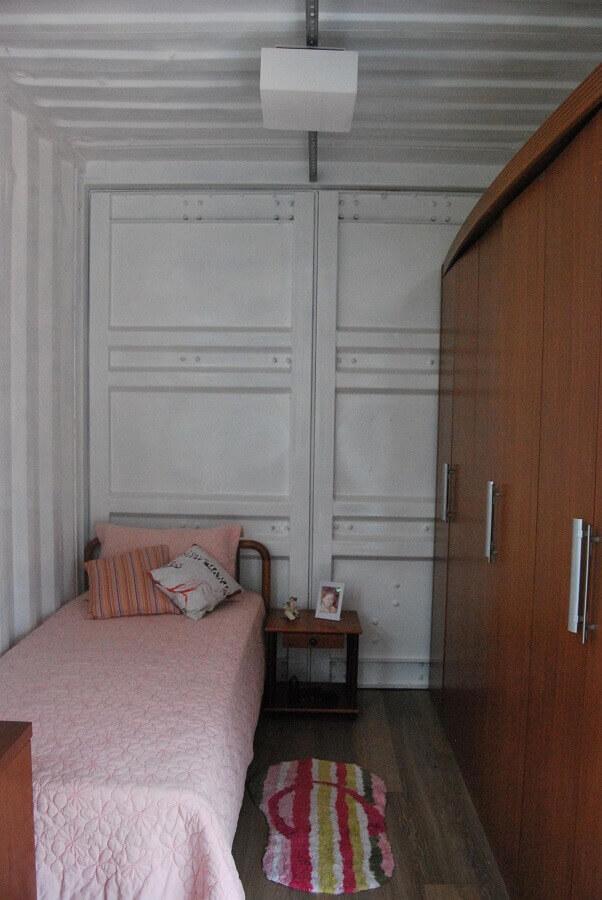 decoração quarto com roupeiro solteiro