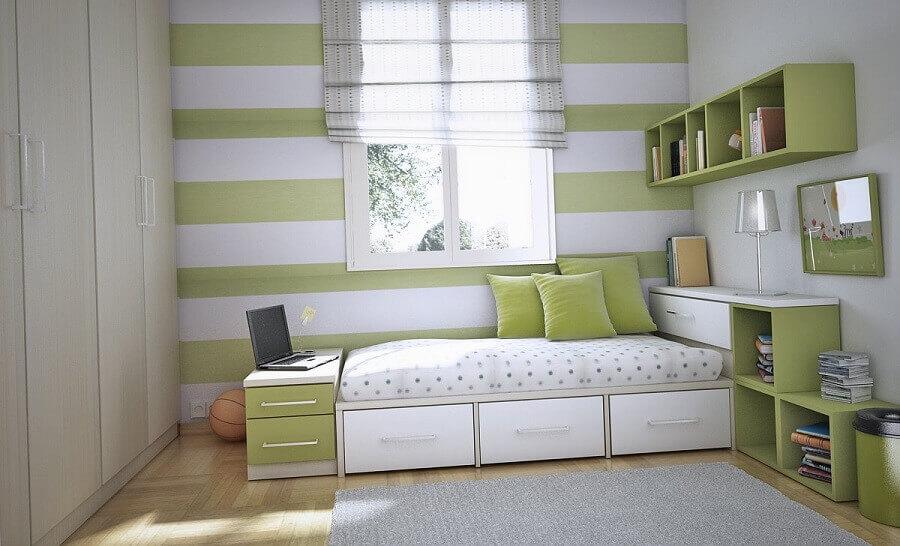 decoração quarto em tons de branco e verde com guarda roupa modulado solteiro