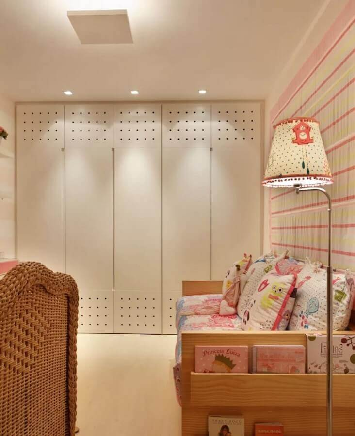 decoração quarto infantil de menina com guarda roupa modulado solteiro