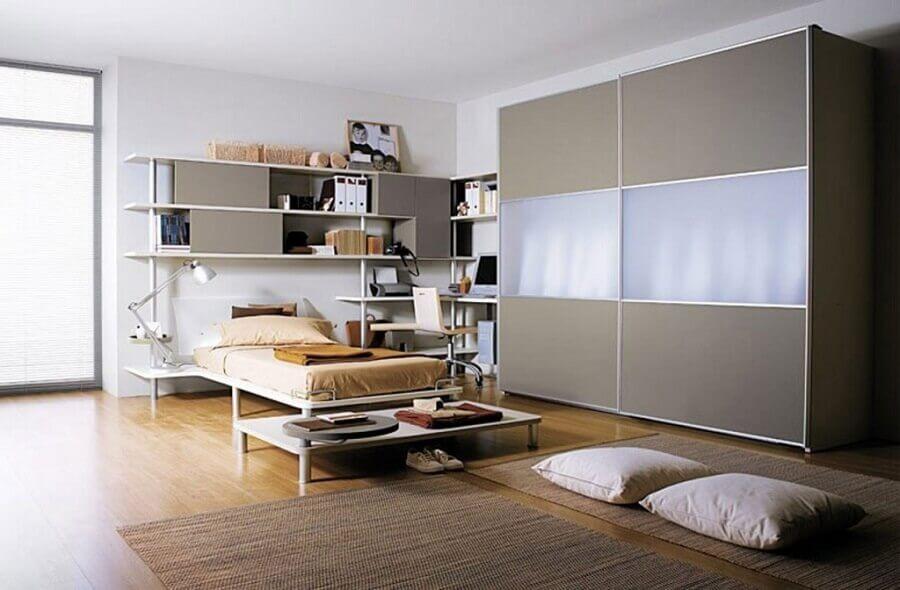 decoração quarto moderno com guarda roupa solteiro porta de correr
