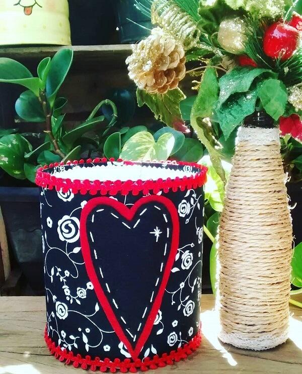 Decore a casa com latas decoradas