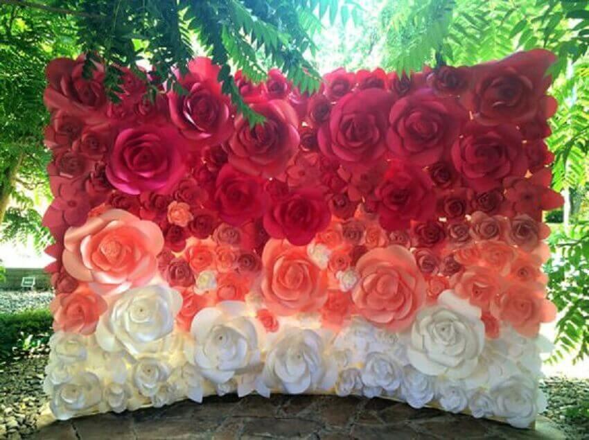 modelo de painel com flores de papel