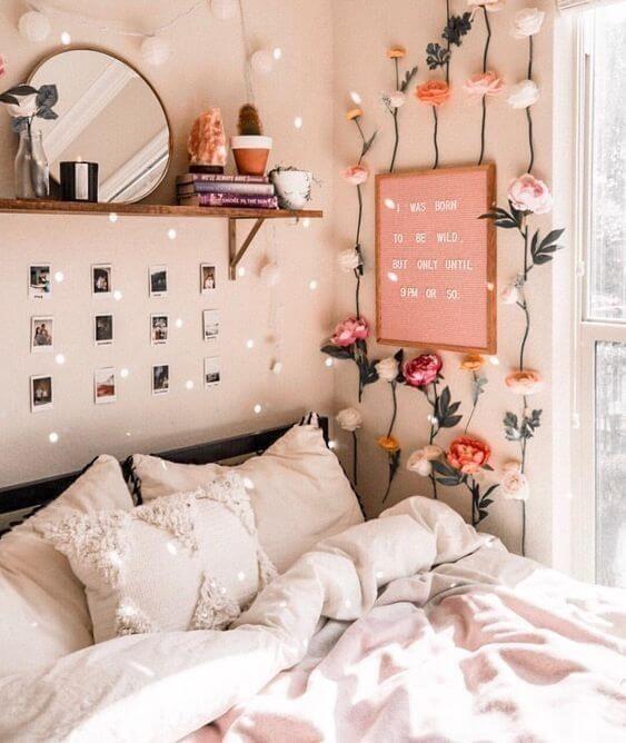 Mural de fotos cor de rosa para quarto feminino