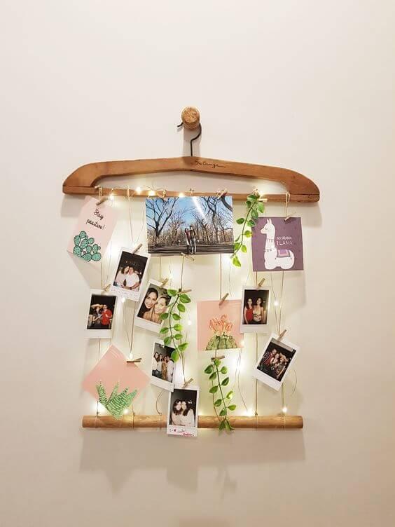 Mural de fotos criativo feito de cabide