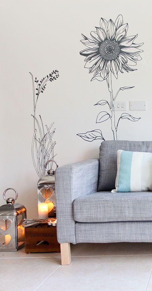 Paredes decoradas com papel de parede de girassol