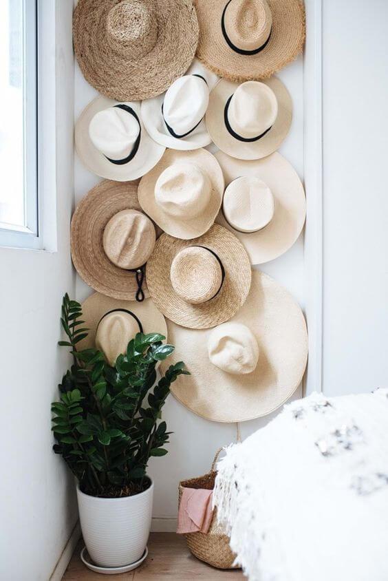 Paredes decoradas com chapéu