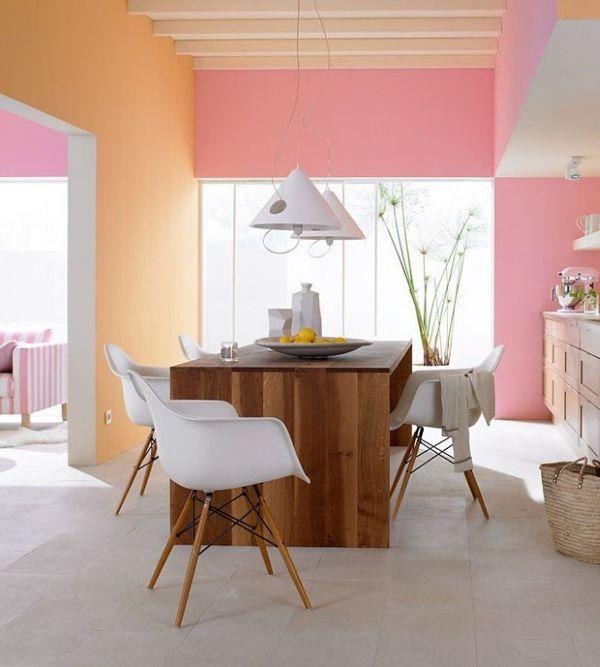 Parede em tons de rosa e laranja