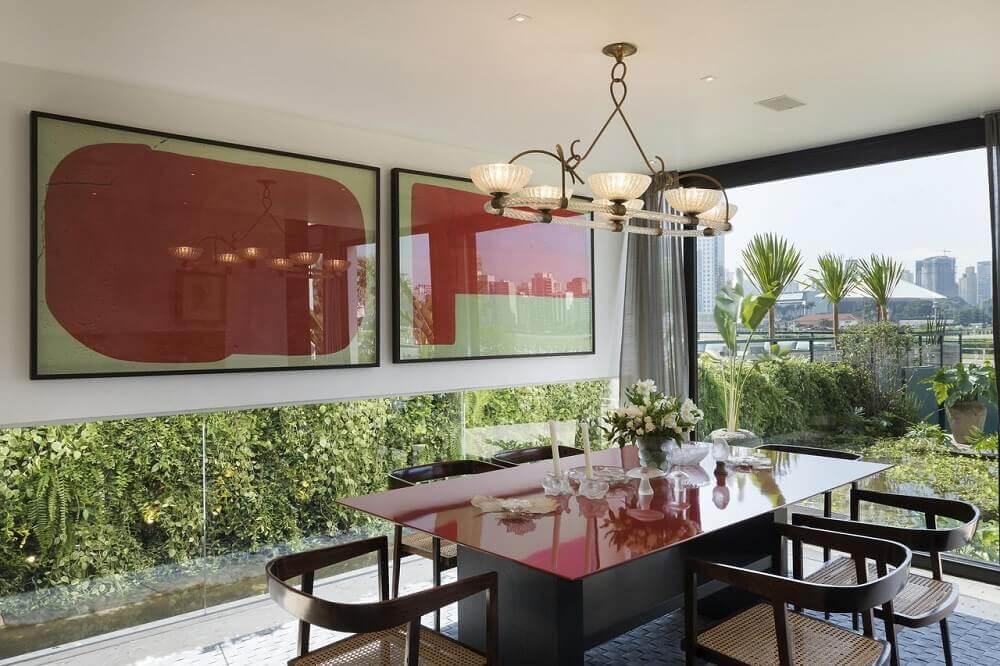 quadros para sala de jantar com parede de vidro