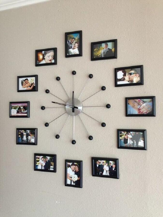relógio feito com painel de fotos